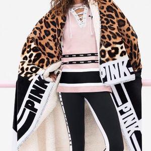 Victoria's Secret PINK Black Friday Sherpa Comfy B